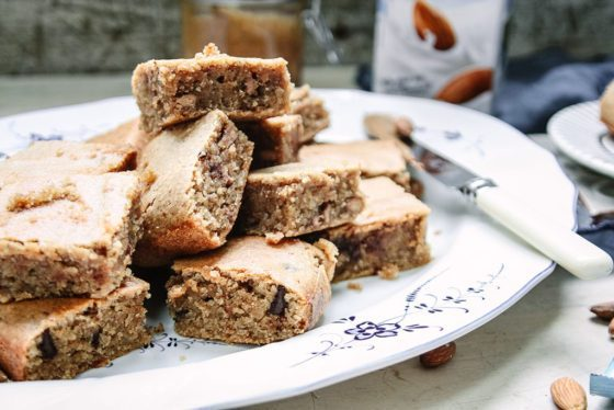 CAKE-BAKE-Almond-Blondies