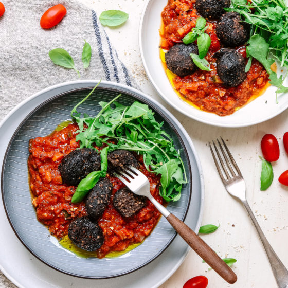 Black bean balls and tomato sauce