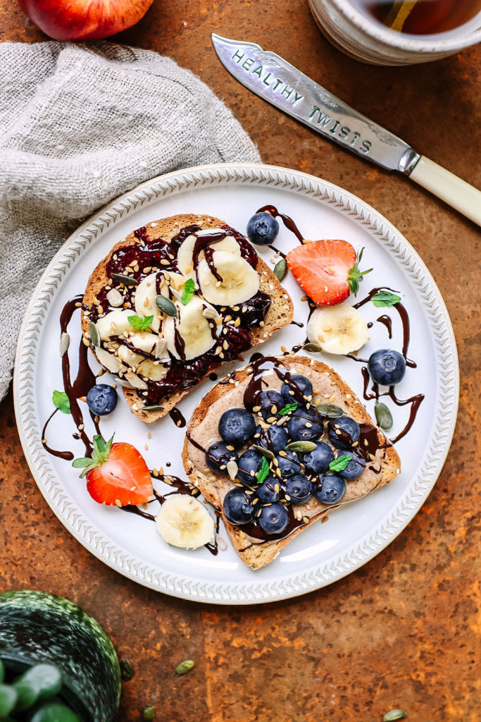 breakfast nutbutter & choc spread toast